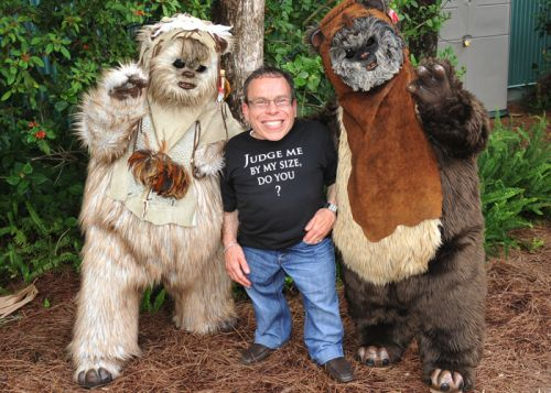 Warwick Davis with Ewoks