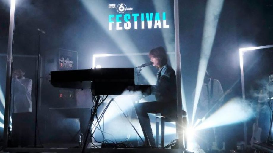 charlotte gainsbourg playing 6 music festival
